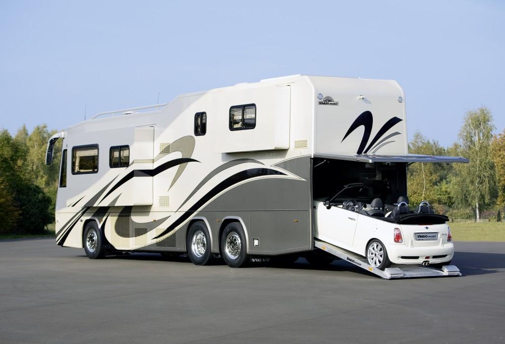 Wohntrends: Luxus auf Rädern VARIOperfect Platinum 1200 2906 0754 Luxus Reisemobil PKW Garage im Heck BMW Mini1 1024x698