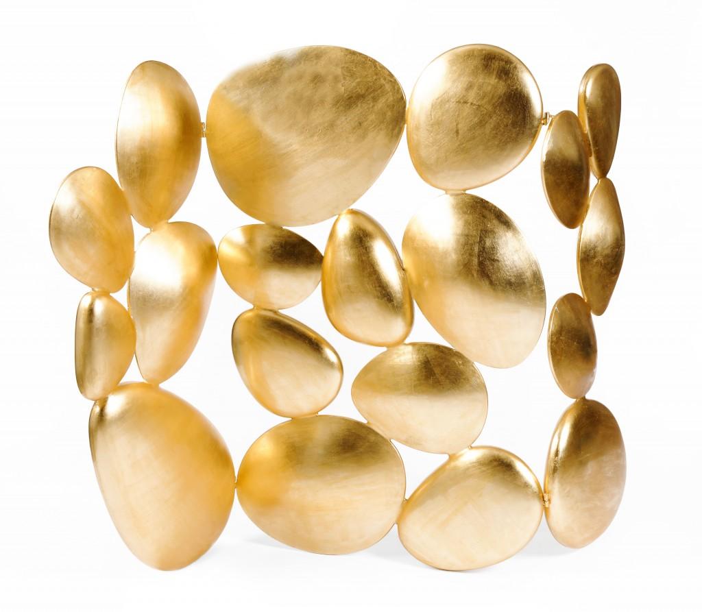 Mit der neuen Jahreszeit kommen di... das neue Modefarbe, Golden gold 01
