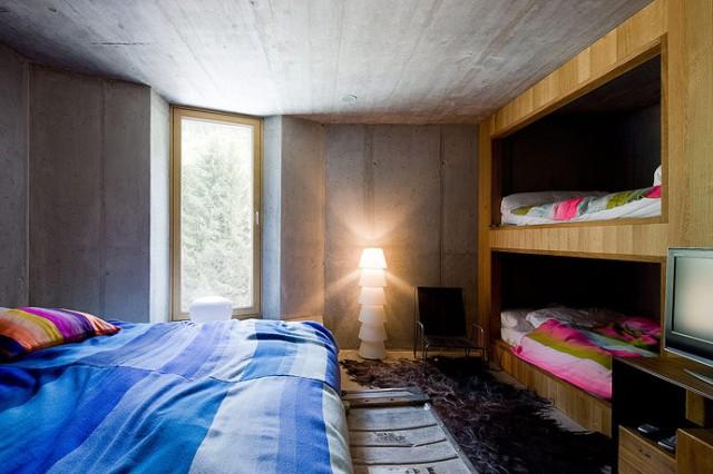 schlafzimmer-villa-vals1-sc  Villa Vals in der Schweiz schlafzimmer villa vals1 sc