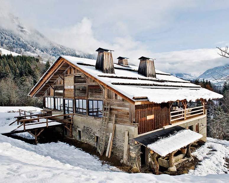 Franzosische Alpen Holzhaus1