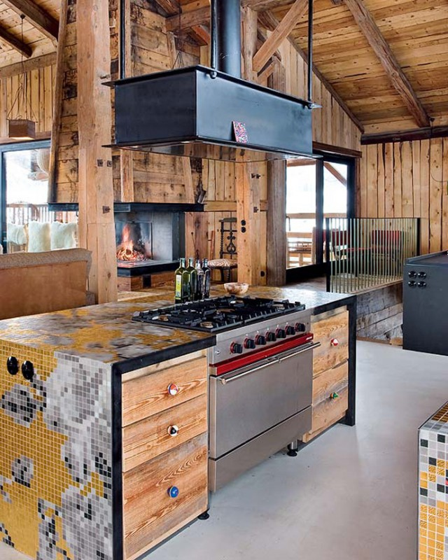 Franzosische Alpen Holzhaus4  Holzhaus in den Französischen Alpen Franzosische Alpen Holzhaus4 e1356635697812