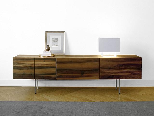 """""""Das Sideboard ist ein schönes Wohntrend und steht in jeder Inneneinrichtung sehr gut. Es ist eine moderne Alternative zur Schrankwand und dominanten Möbelfront.""""  Stylische und multifunktionale Sideboards Stylische und multifunktionale Sideboards Marke WohnDesignTrend 07"""