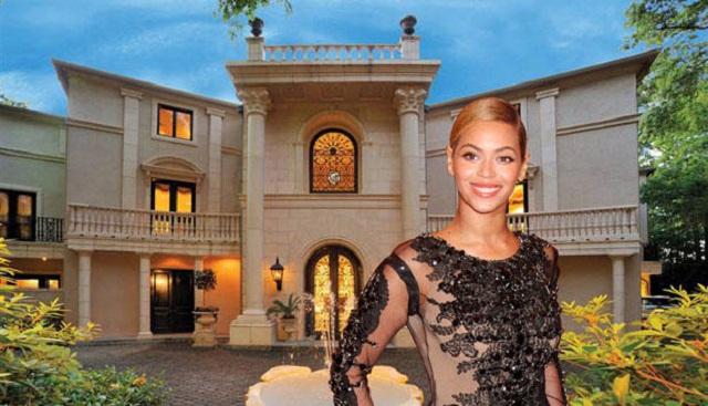 """""""Das luxuöriose Interieur: Vor den Fenstern samtene Vorhänge, auf dem Boden Marmor, die Decke mit Fresken überzogen und im Haus ein verspiegelter Aufzug.""""  Beyonce Knowles Villa in Houston Beyonce Knowles Villa in Houston Luxus und Trendige Platze Wohn DesignTrend 01"""