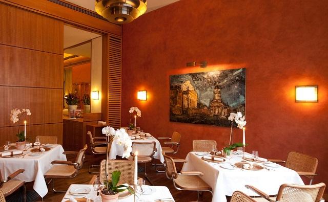 """""""Einige den besten Restaurants in Berlin, um viel Spaβ zu haben. Freut ihr mit der Dekoration, den Wohntrends, den Leuchten, Lampen und dem Möbeldesign.""""  Beste Restaurants in Berlin Das Vau Restaurant Berlin Luxus und trendige Pl  tze Wohn DesignTrend 02"""