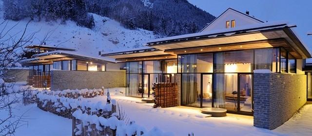 """""""Das Hotel Wiesergut in Österreich wird von Gogl Architekten geschaff. Es gibt viele Schlaffzimmer mit zeitgenössischen Dekoration und aktuellen Dekortrends."""""""