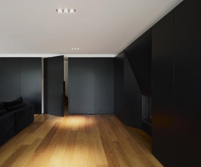 """""""Studio Graux & Baeyens Architecten hat vor kurzem das DS Projekt abgeschlossen. Die Architekten haben dieses alten Farmhaus in Destelbergen renoviert und erweitert.""""  Wohntrends: Hausanbau und Renovierung in Belgien Hausanbau und Renovierung in Belgien Architektur und Design Wohn DesignTrend 04"""