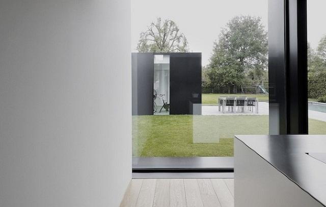 """""""Studio Graux & Baeyens Architecten hat vor kurzem das DS Projekt abgeschlossen. Die Architekten haben dieses alten Farmhaus in Destelbergen renoviert und erweitert.""""  Wohntrends: Hausanbau und Renovierung in Belgien Hausanbau und Renovierung in Belgien Architektur und Design Wohn DesignTrend 11"""
