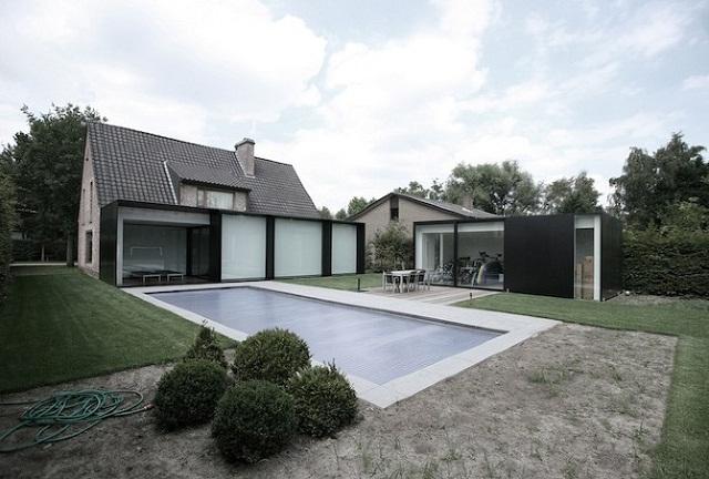"""""""Studio Graux & Baeyens Architecten hat vor kurzem das DS Projekt abgeschlossen. Die Architekten haben dieses alten Farmhaus in Destelbergen renoviert und erweitert.""""  Wohntrends: Hausanbau und Renovierung in Belgien Hausanbau und Renovierung in Belgien Architektur und Design Wohn DesignTrend 12"""