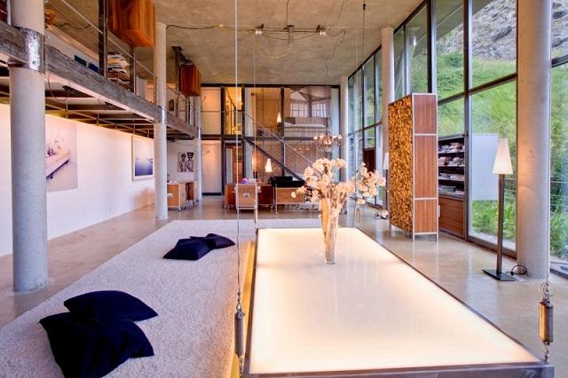 """""""Das luxuriöse Haus bietet viel Platz; ist ein perfekter Ort für grosse Familien oder Familien mit Freunden, die Luxus und Komfort auf höchstem Niveau schätzen.""""  Wohntrends: Heinz Julen in Zermatt, die Schweiz Heinz Julen Loft luxus und trendige platze wohn designtrend 02"""