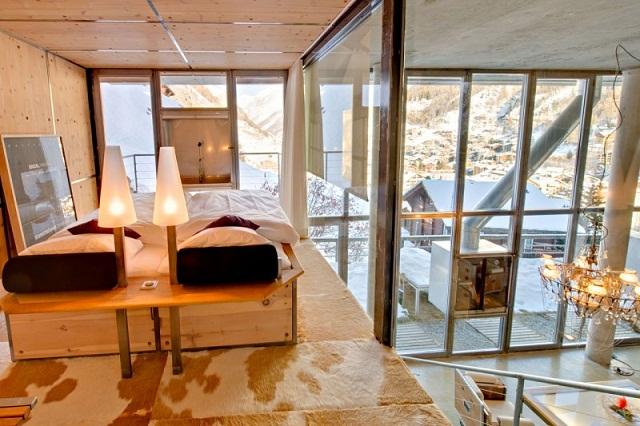 """""""Das luxuriöse Haus bietet viel Platz; ist ein perfekter Ort für grosse Familien oder Familien mit Freunden, die Luxus und Komfort auf höchstem Niveau schätzen.""""  Wohntrends: Heinz Julen in Zermatt, die Schweiz Heinz Julen Loft luxus und trendige platze wohn designtrend 071"""