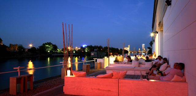 """""""Einige den besten Restaurants in Berlin, um viel Spaβ zu haben. Freut ihr mit der Dekoration, den Wohntrends, den Leuchten, Lampen und dem Möbeldesign."""""""