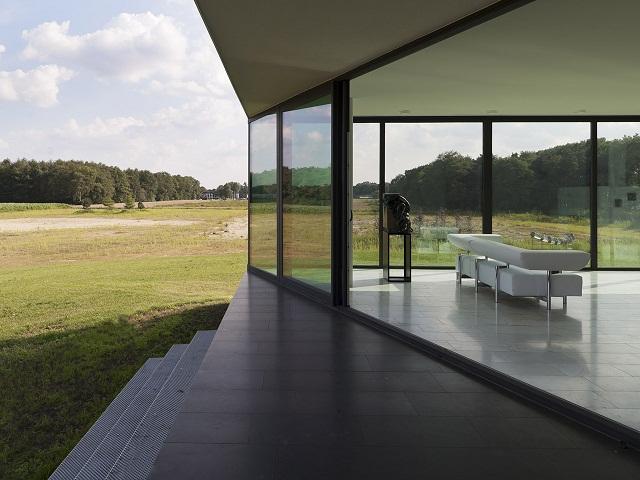 """""""Das Bridge House von 123DV präsentiert eine moderne Architektur und Design. Es ist ein Wohntrend für die grüne Dekoration, die sich auf der Natur inspiriert.""""  Wohntrends: Bridge House von 123DV Wohntrends Bridge House von 123DV Architektur und Design Wohn DesignTrend 07"""