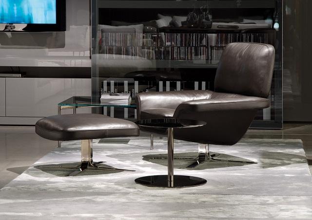 """""""Sessel: ein Möbel für eine Person und dient dem bequemen Sitzen. Machen Sie es sich bequem mit Menge Sessel von romantisch über urban bis zu klassisch sein.""""  Dekoideen fürs Wohnzimmer: gemütliche Sessel minotti armchair blake soft marke wohn designtrend 02"""