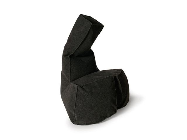 """""""Sessel: ein Möbel für eine Person und dient dem bequemen Sitzen. Machen Sie es sich bequem mit Menge Sessel von romantisch über urban bis zu klassisch sein.""""  Dekoideen fürs Wohnzimmer: gemütliche Sessel moooi armchair dickie marke wohn designtrend 01"""