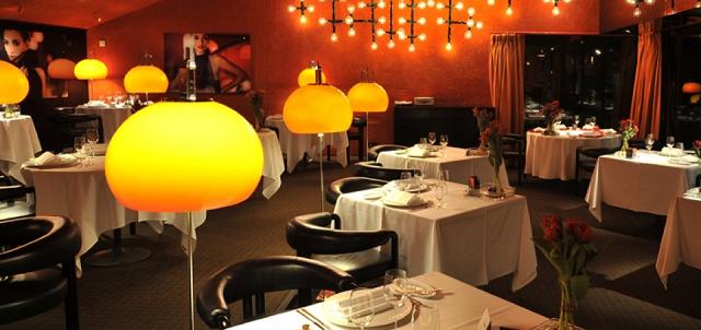 """""""Hier sind einige den besten Restaurants in Münich und ihre Essen. Luxus, schönes Wohndesign, Gourmetspeisekarten und schicke Plätze kann man dort finden.""""  Beste Restaurants auf München tantris restaurant munich wohn designtrend 01 e1361877050478"""