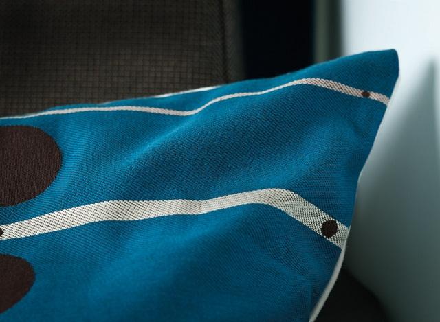 """""""KLM Airlines hat in Zusammenarbeit mit der Top-Designerin Hella Jongerius eine brandneue Atmosphäre, Einrichtung und Stil in der Business Class eingeführt.""""  Hella Jongerius Neue World Business Class Design Hella Jongerius Neue World Business Class Design Mode und Lifestyle Wohn DesignTrend 07"""