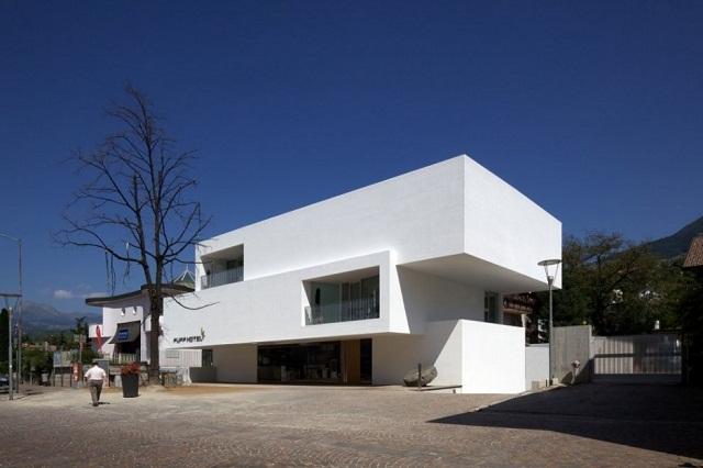 hotel pupp in italien von bergmeisterwolf architekten wohn designtrend. Black Bedroom Furniture Sets. Home Design Ideas