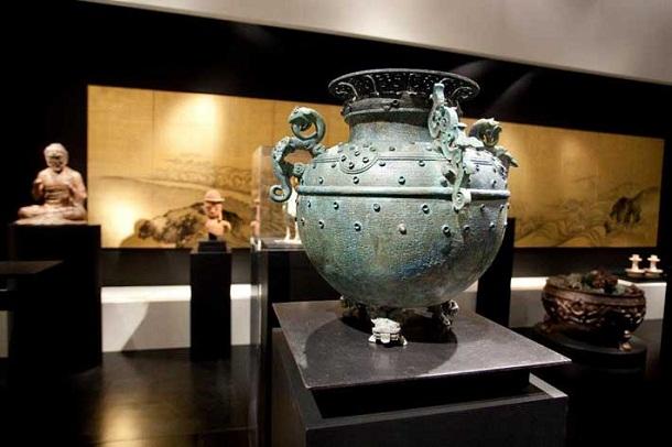 """""""Die TEFAF Maastricht ist die wichtigste Kunstmesse für Kunst und Antiquitäten weltweit & einer der international renommiertesten Standorte für den Kunsthandel."""""""