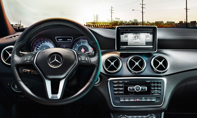 """""""#Untamed ist die erste digitale Photoausstellung ihrer Art. Die Installation wird von Ihren Instagram Photos befüllt. Inspiriert vom neuen Mercedes-Benz CLA.""""  #Untamed: Eine digitale Photo Installation von Mercedes-Benz Untamed Eine digitale Photo Installation von Mercedes Benz Marke Wohn DesignTrend 05"""