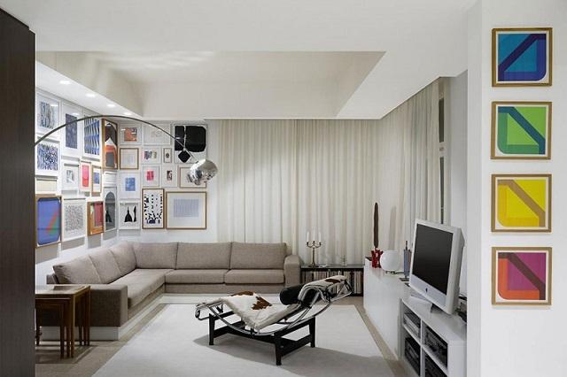 """""""Wohntrends: Wohnung FS in Stuttgart von Ippolito Fleitz Group. Es ist eine zeitgenössische Wohnung mit einer Bibliothek."""""""