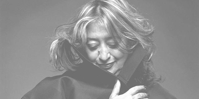 """""""Zaha Hadid ist eine der TOP 100 stärkste Frauen in dem Großbritannien. Sie hat viele Projekte der Innen- und Architektur gemacht.""""  Zaha Hadid, eine der stärksten Frauen der Welt Zaha Hadid Architektin Leute Wohn DesignTrend e1362739253423"""