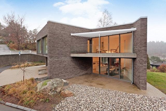 """""""Eine exklusive Villa in Hovås (Göteborg), Schweden. Freuen Sie sich mit diesem schönen Haus!""""  Wohntrends: Eine exklusive Villa in Göteborg, Schweden eine exklusive villa in g  teburg schweden architektur und design wohn designtrend 01"""