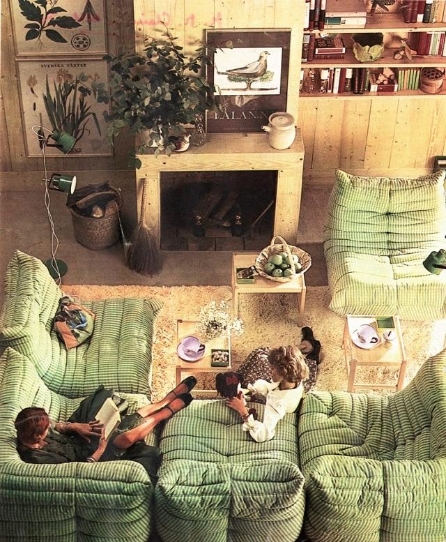 """""""2013 feiert Ligne Roset die 40-jährige Erfolgsgeschichte des Modelles Togo. Das Design ist von Michel Ducaroy.""""  40 Jahre TOGO: Das Sofa von Ligne Roset feiert Geburtstag 40 Jahre TOGO Das Sofa von Ligne Roset feiert Geburtstag Leute Marke Wohn DesignTrend 06"""