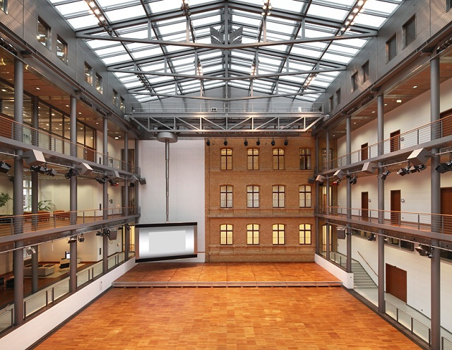 """""""Der Gebäudekomplex Building Berlin ist an der Französischen Straße 33a-c in 10117 Berlin. Hat Büro-, Konferenz- und Eventfläche und ist verfügbar ab 2014.""""  Building Berlin der Büros verfügbar ab 2014 Building Berlin der B  ros ist verf  gbar ab 2014 Architektur und Design Wohn DesignTrend 04"""