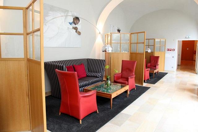 """""""Das Wiener Hotel Das Triest in zentraler Innenstadtlage nahe dem Karlsplatz ist das österreichische Meisterstück in Sachen Hoteldesign von Sir Terence Conran."""""""