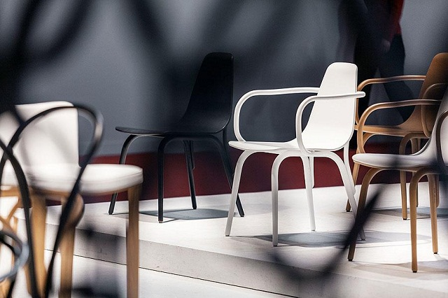 """""""Historisch gesehen ist TON ein Stück tschechisch-österreichischer Design- und Industriegeschichte und einer der ältesten Möbelhersteller der Welt.""""  Milan Design Week 2013: Die Woche auf TON Milan Design Week 2013 Die Woche auf TON Ereignisse Marke Wohn DesignTrend 05"""