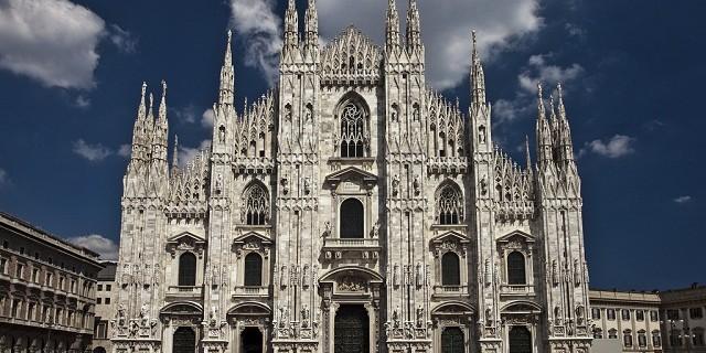 """""""Mailand hat soviele Luxushotels, mit exklusiver Innenarchitektur und moderner Dekoration für Sie, um während Milan Design Week 2013 zu entspannen."""""""