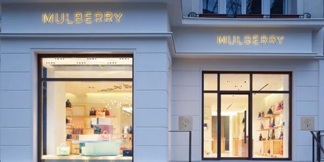 """""""Am Kurfürstendamm 184 in Berlin hat der erste deutsche Mulberry-Store feierlich seine Pforten geöffnet. Der Store wurde sehr modern gestaltet."""""""