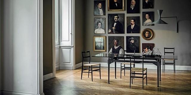 """""""Die Tische TL3 von Designer Franco Albini für Cassina. Das Möbel vollzieht eine klare Trennung zwischen der tragenden Struktur und der aufliegenden Tischplatte."""""""