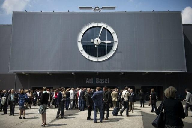 """""""Art Basel 2013 in der Schweiz - vom 13. bis zum 16. Juni. """"Olympics of the Art World"""", das ist ein Titel, den man in Basel gern annimmt.""""  Messerundgang Art Basel 2013 in der Schweiz Wohn DesignTrend Art Basel 2013 in der Schweiz 01"""