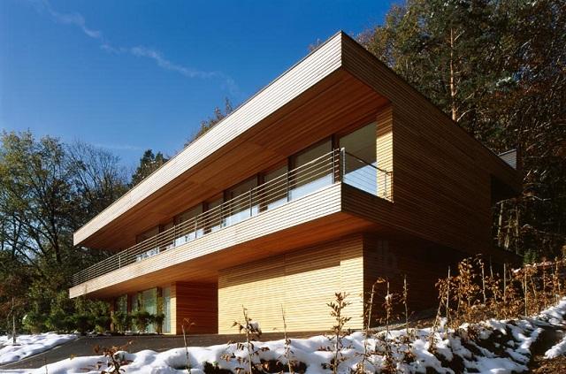 """""""Wohnhaus Heilbronn von K_m Architektur in Deutschland. Holz ist ein ganz besonderes Baumaterial. Holz ist traditionell und modern zugleich.""""  Wohnhaus Heilbronn von K_m Architektur in Deutschland Wohn DesignTrend Wohnhaus Heilbronn von K m Architektur in Deutschland 02"""