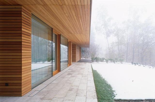 """""""Wohnhaus Heilbronn von K_m Architektur in Deutschland. Holz ist ein ganz besonderes Baumaterial. Holz ist traditionell und modern zugleich.""""  Wohnhaus Heilbronn von K_m Architektur in Deutschland Wohn DesignTrend Wohnhaus Heilbronn von K m Architektur in Deutschland 04"""