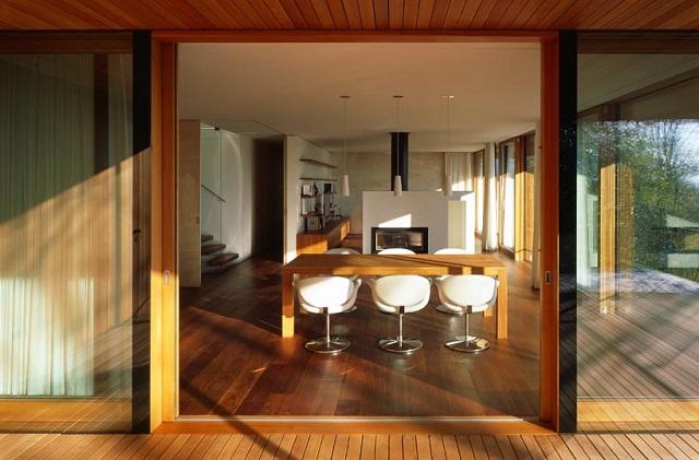 """""""Wohnhaus Heilbronn von K_m Architektur in Deutschland. Holz ist ein ganz besonderes Baumaterial. Holz ist traditionell und modern zugleich.""""  Wohnhaus Heilbronn von K_m Architektur in Deutschland Wohn DesignTrend Wohnhaus Heilbronn von K m Architektur in Deutschland 08"""