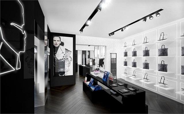 """""""Karl Lagerfeld eröffnet eigene Concept Stores in Berlin und München. Schlichtes Design in striktem Schwarz-Weiß, klare Designkonzept.""""  Karl Lagerfeld neue Stores in Berlin und München Wohn DesignTrend Karl Lagerfeld Shops Deutschland 04"""