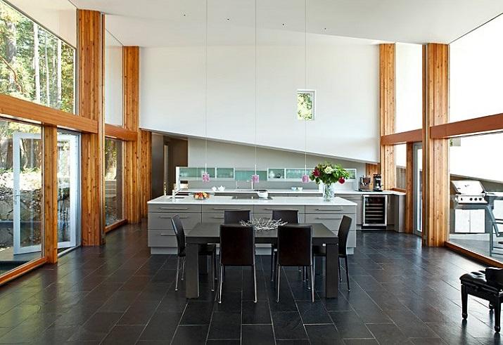 """""""Wohndesign: Glasbau mit gefaltetem Dach. Ein Basislager für Ausflüge in die Natur, vor allem aber einen perfekten Resonanzraum wünschten sich die Hausherren.""""  Wohndesign: Glasbau mit gefaltetem Dach Wohn DesignTrend Wohndesign Glasbau mit gefaltetem Dach 05"""
