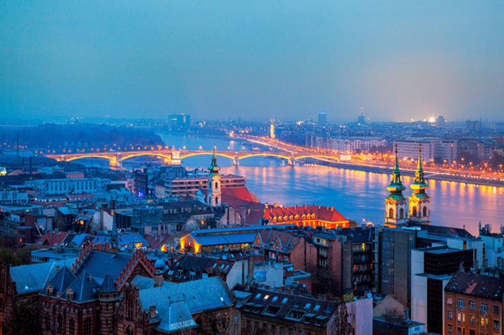"""""""Lonley Planet's Top 10 europäische Zielorte für 2013, die 10 Orte, von denen wir meinen, Reisende sollten sie besuchen, wenn sie sich gerade auf dem Weg nach Europa befinden.""""  TOP 10 EUROPEAN TRAVEL DESTINATIONS FOR 2013 5"""