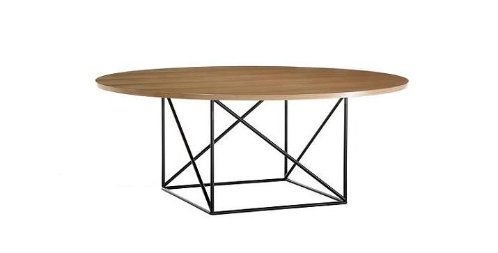 """""""Grosse Esstische für moderne Esszimmer. Ein Tisch aus pulverbeschichtetem Aluminium hat eine Tischplatte aus recyceltem Teakholz.""""  Grosse Esstische für moderne Esszimmer Wohn DesignTrend Esstiche f  r Esszimmer Cassina"""