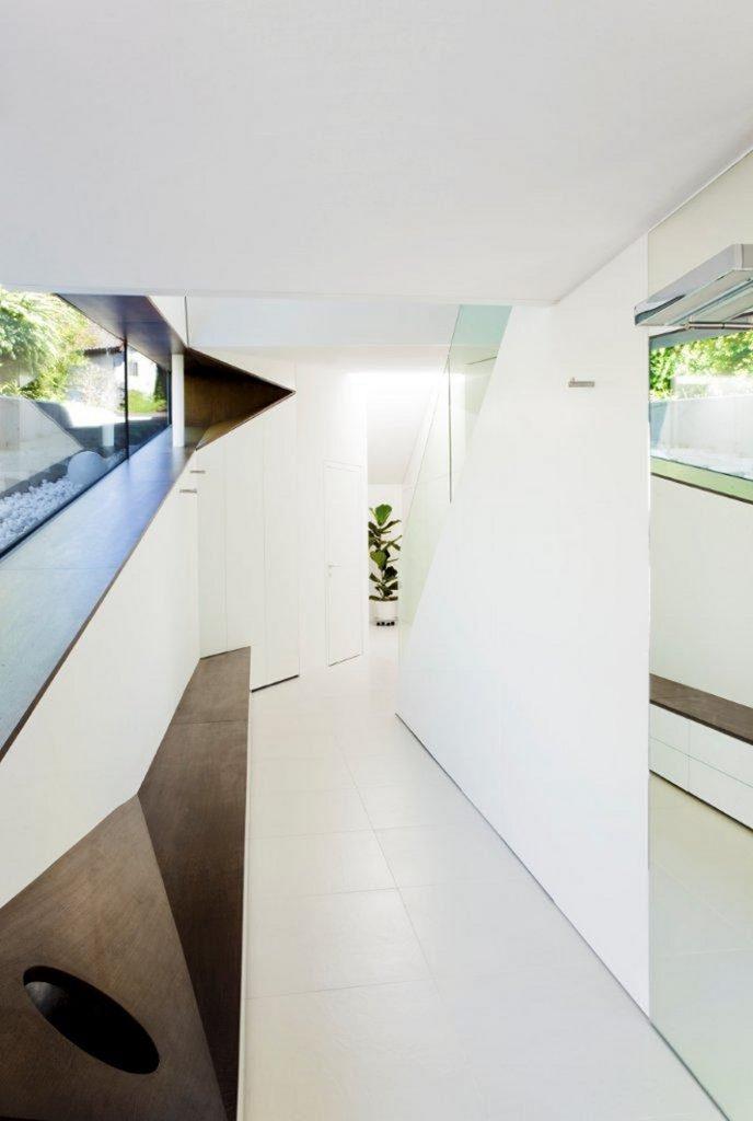 """""""Das Haus H, ansässig in Salzburg, Österreich, ist ein Projekt, das von den Smartvoll Architekten ZT KG entworfen wurde und 2010 präzisiert wurde.""""  Wohntrends: House H von Smartvoll Architekten ZT KG Wohn DesignTrend Haus H 05"""