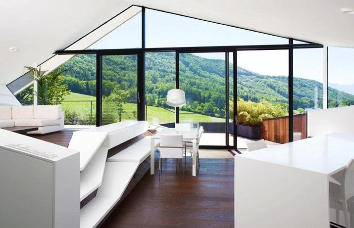"""""""Das Haus H, ansässig in Salzburg, Österreich, ist ein Projekt, das von den Smartvoll Architekten ZT KG entworfen wurde und 2010 präzisiert wurde.""""  Wohntrends: House H von Smartvoll Architekten ZT KG Wohn DesignTrend Haus H 08"""