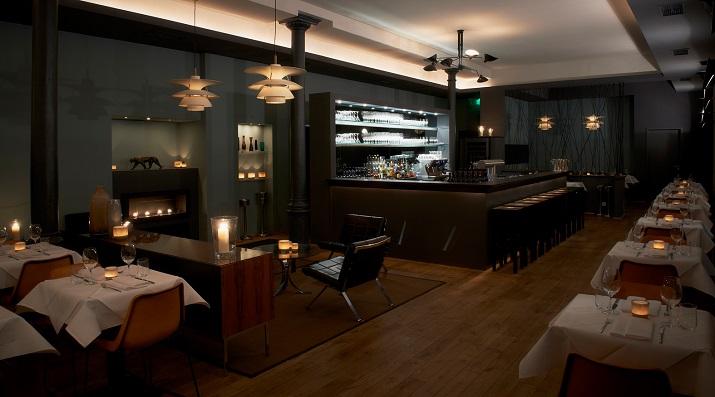 """""""Panther Grill & Bar Restaurant in München - Die Inneneinrichtung erinnert an die coolsten Steakhäuser in New York und muss keinen Vergleich mit diesen scheuen.""""  Panther – Grill & Bar Restaurant in München Wohn DesignTrend Panther Grill Bar M  nchen 01"""