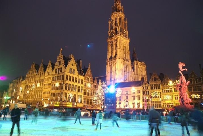 """""""Die besten 10 Städte um die Welt, wo Weihnachten eine erstaunliche Feier geworden ist.""""  10 Meiste Festliche Weihnachten-Städte 10 Meiste Festliche Weihnachten St  dte Antwerp"""