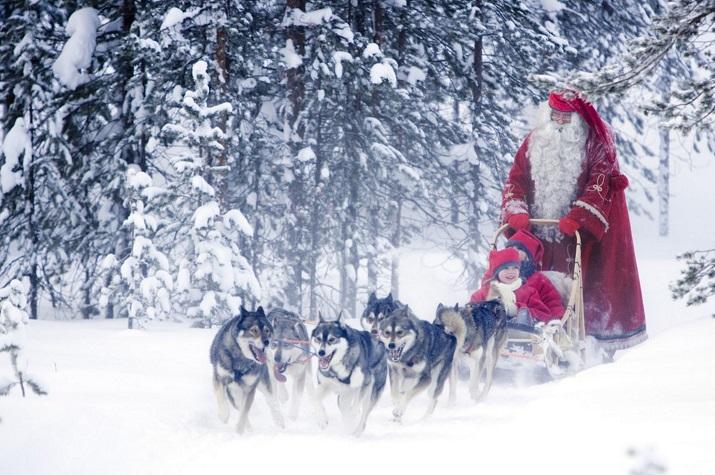 """""""Die besten 10 Städte um die Welt, wo Weihnachten eine erstaunliche Feier geworden ist.""""  10 Meiste Festliche Weihnachten-Städte 10 Meiste Festliche Weihnachten St  dte Rovaniemi"""