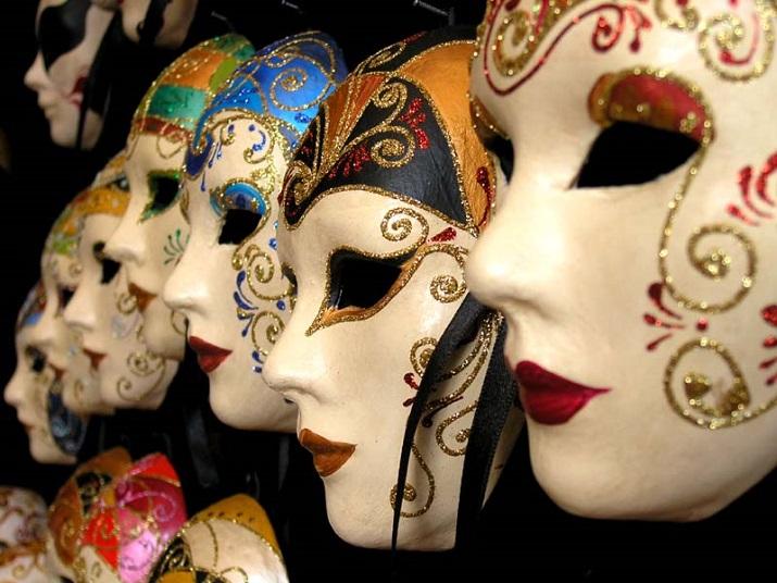 """""""Jährlich einige der Länder um den Welthalt magische Festivals. Der brasilianischen Karneval und spanische männliche Verfolgung ist weltweit berühmt.""""  20 Erstaunliche Festspiele um die Welt 20 Erstaunliche Festspiele um die Welt 06"""