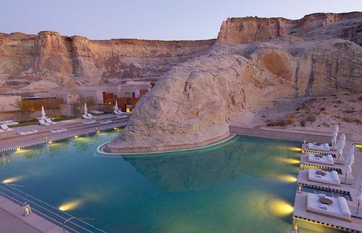 """""""Ich glaube, dass wir Entspannen am Pool verpassen. Finden Sie Ihr Traumbestimmungsort in dieser kurzen Liste der schönsten Hotelpools um die Welt.""""  TOP 10 unglaublichsten Hotelpools um die Welt Top 10 of the most beautiful hotel pools Amangiri Resort Utah"""