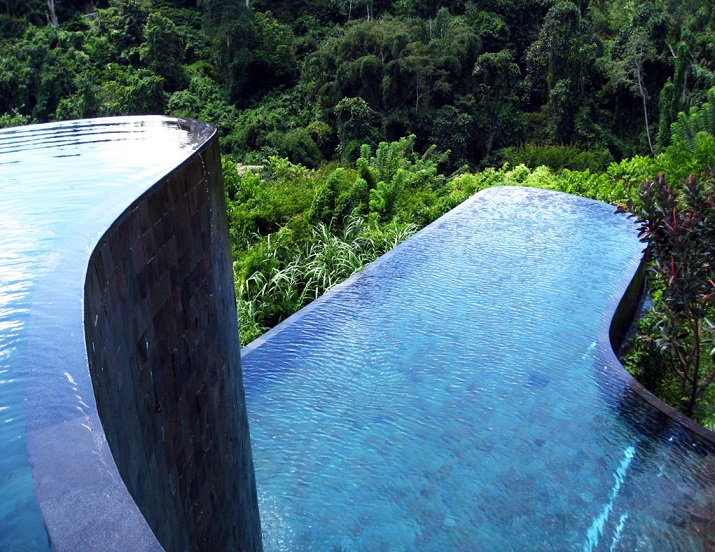 """""""Ich glaube, dass wir Entspannen am Pool verpassen. Finden Sie Ihr Traumbestimmungsort in dieser kurzen Liste der schönsten Hotelpools um die Welt.""""  TOP 10 unglaublichsten Hotelpools um die Welt Top 10 of the most beautiful hotel pools Ubud Hanging Gardens Indonesia"""