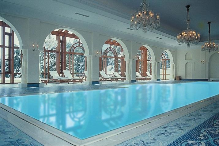 """""""Ich glaube, dass wir Entspannen am Pool verpassen. Finden Sie Ihr Traumbestimmungsort in dieser kurzen Liste der schönsten Hotelpools um die Welt.""""  TOP 10 unglaublichsten Hotelpools um die Welt Top 10 of the most beautiful hotel pools Wildflower Hall India"""